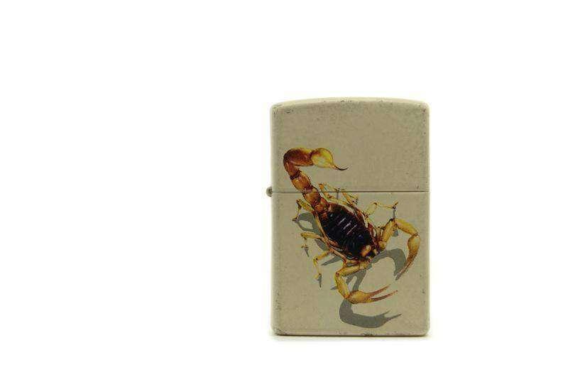Zippo white scorpion